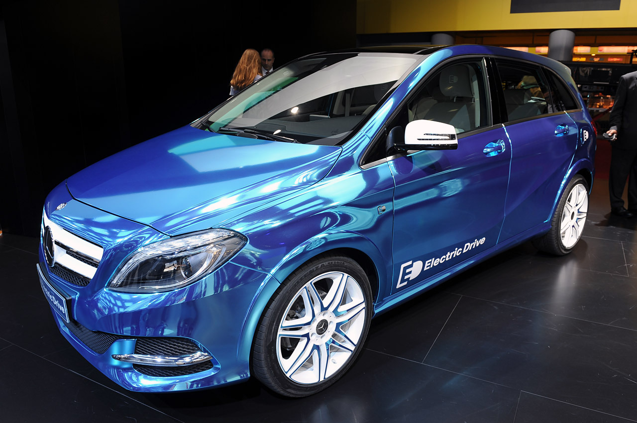 """Mercedes-Benz B-Class Electric Drive Concept merges entry-level luxury and plug-in tech"" Mercedes-Benz showed off a number of alternative fuel B-Class models at the 2012 Paris Motor Show, including the B200 Natural Gas Drive and this machine, the B-Class Electric Drive. Using a 100-kilowatt (134-horsepower) electric motor, the hatch can whir to a top speed of 93 miles per hour and boasts a range of around 124 miles, though presumably not at the same time.The motor delivers a total of 229 pound-feet of torque, and while Mercedes-Benz isn't disclosing the lithium-ion battery's capacity, the company has said it will be chargeable through any 230-volt outlet. Using a quick-charge 400-volt outlet, the Mercedes-Benz B-Class ED can rack up enough of a charge to cover 31 miles in under an hour. In addition, the five-door can be configured to charge off peak hours to keep operating costs as low as possible. Owners can designate when the B-Class ED charges, keep an eye on state of charge and locate charging locations along a route via any computer or smartphone remotely."