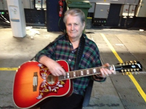 The great Brian Wilson… brianwilsonlive:  Who knew Brian played guitar?