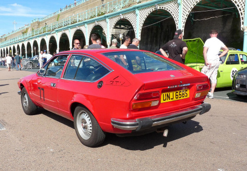 carpr0n:  Back on track Starring: Alfa Romeo Alfetta GTV (by © Andrew)