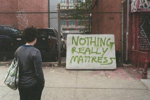motherjones:  Nothing really mattress. (via)
