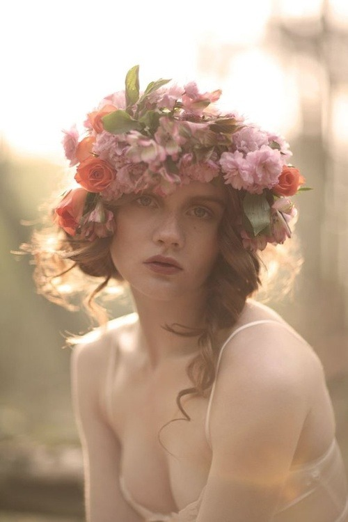 nattgio:  CVB Loves / Floral Headdresses! on We Heart It. http://weheartit.com/entry/38508753