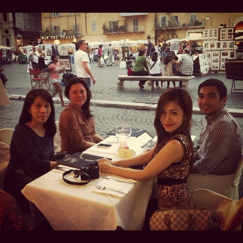 gorachelleann:  dinner time…with mama, Ate Patty and Kuya Chuck😃 @gmapinoytv (Taken with Instagram)