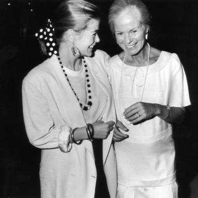 gracie-bird:  In this picture appear Lady Helen Windsor and her mother, Duchess of Kent in 1980s. Lady Helen absolutely seems Grace Kelly here!! it is amazing… I suppose that is how Grace surely would be if she would had been lived in the 80s as young.