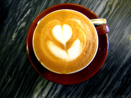 divorcefromtedium:  cappuccino from my fav spot on Flickr.