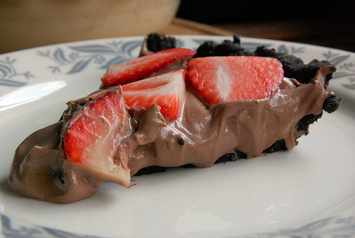 awesomedessert:  Chocolate Mousse & Strawberry Pie
