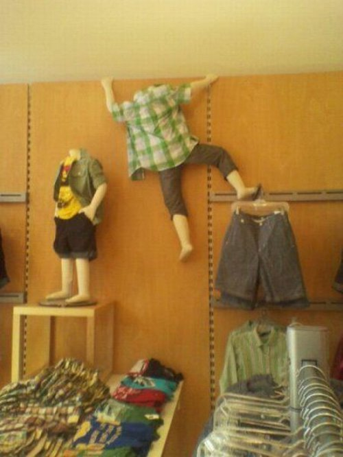 Mannequin Tries to Make the Great Escape The Kid's Gap puts too much pressure on it's models.