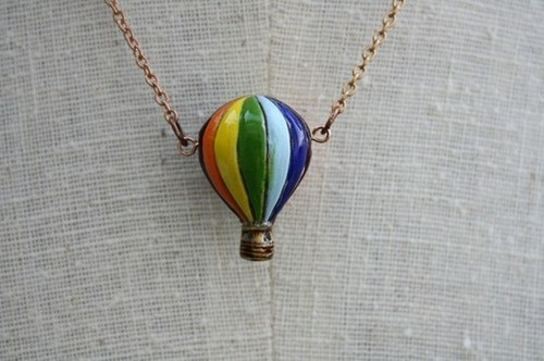 Neat Necklaces on We Heart It. http://weheartit.com/entry/38666415