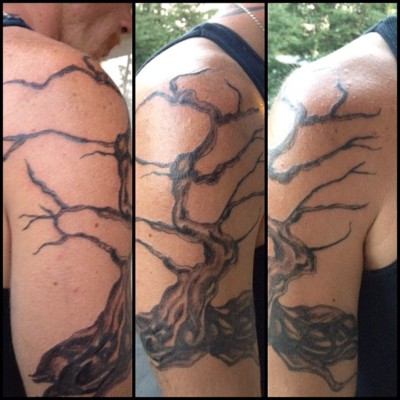 Finished the shading on Aaron's coverup! Now color and cherry blossoms and we done! #jenbunnytattoos #tattoo #tattoocoverup #coverup #tree #cherryblossomtree (Taken with Instagram)