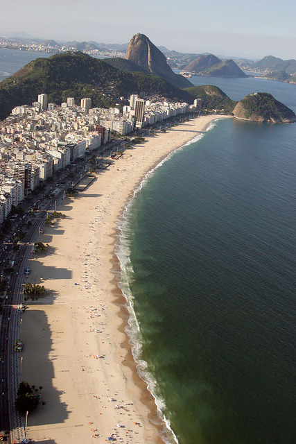 Copacabana - Foto: Ricardo Zerrenner|Riotur by Ascom Riotur on Flickr.