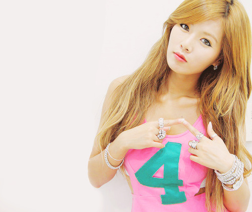 Hyuna    Follow me » nonaeltaybelf.tumblr.com