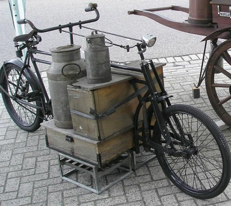 t-s-k-b:  Low-tech Magazine - Cargo cyclists replace truck drivers on European city streets