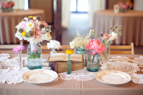 Love this cute table setting!