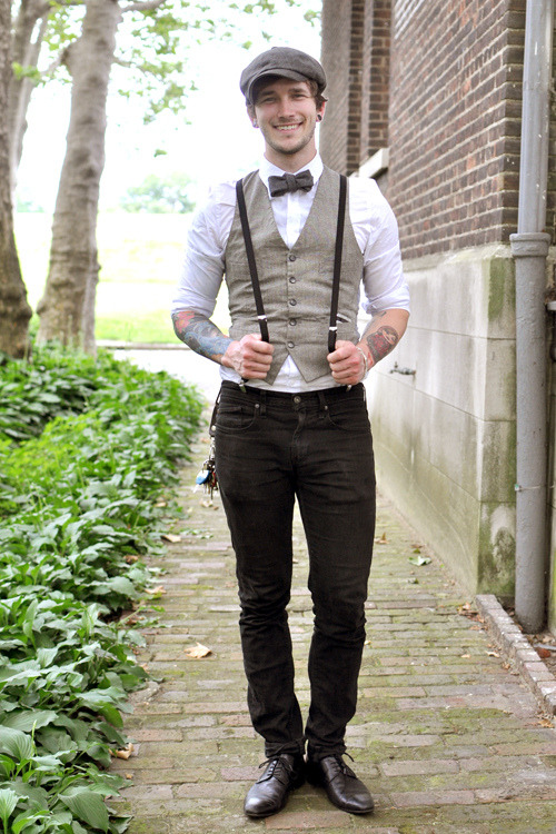somemoonlitnight:  Oops, one more of this guy. But I had to. It's suspenders. And a vest. And a bowtie. TOGETHER. My heart can't take it.