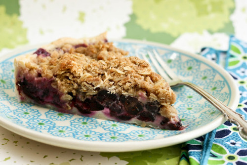 Blueberry Crumble Pie - Recipe here