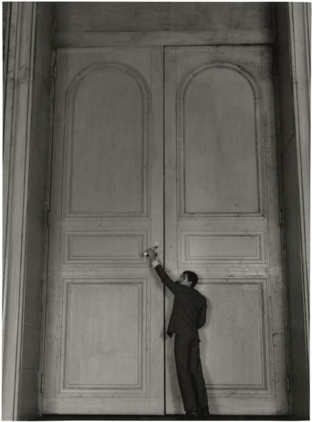 Anthony Perkins in « Le Procés » (Orson Welles, 1962) photo Corbeau Roger (via Le blog de SoVeNa » Un Secret Derrière la Porte)