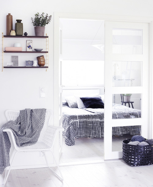 myidealhome:  scandinavian bedroom (via WEEKDAY CARNIVAL)