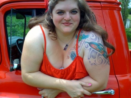 chubby-bunnies:  Star 31 US Size 24 Confident BBW and hot rod builder/enthusiast! Keep up the love ladies! XO   I just love everything about this.