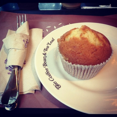 #cheese #muffin for my #hungry #tummy… #food #nomnom #cbtl (Taken with Instagram at The Coffee Bean & Tea Leaf)
