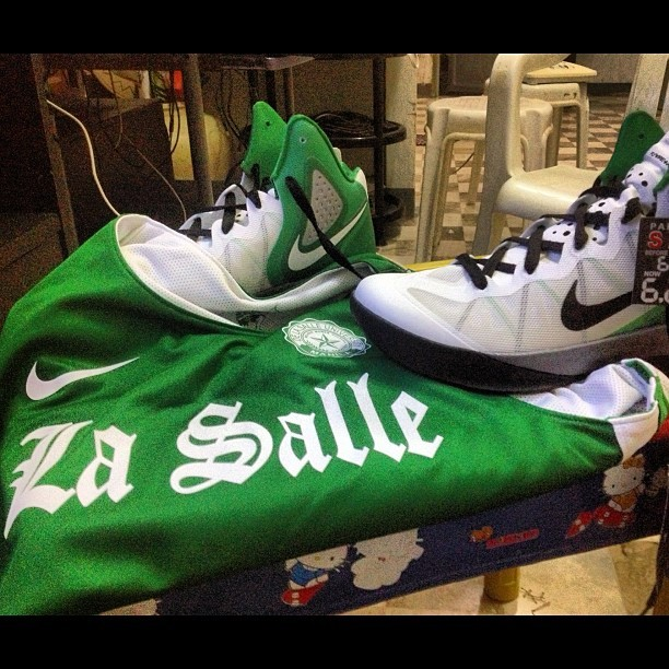 I still bleed green. #celtics, nidec, la salle colors! White and green! #nike #basketball      #hyferenforcer #lasalle #bostonceltics #greenarchers #animo  (Taken with Instagram)