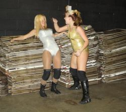 Brittney Savage vs Kimber Lee / http://www.nefemalewrestling.com/
