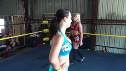 Kimber Lee vs Nevaeh :: nefemalewrestling.com