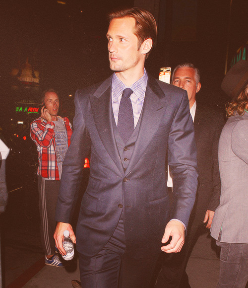 18/50 photos  [✖]  Alexander Skarsgård