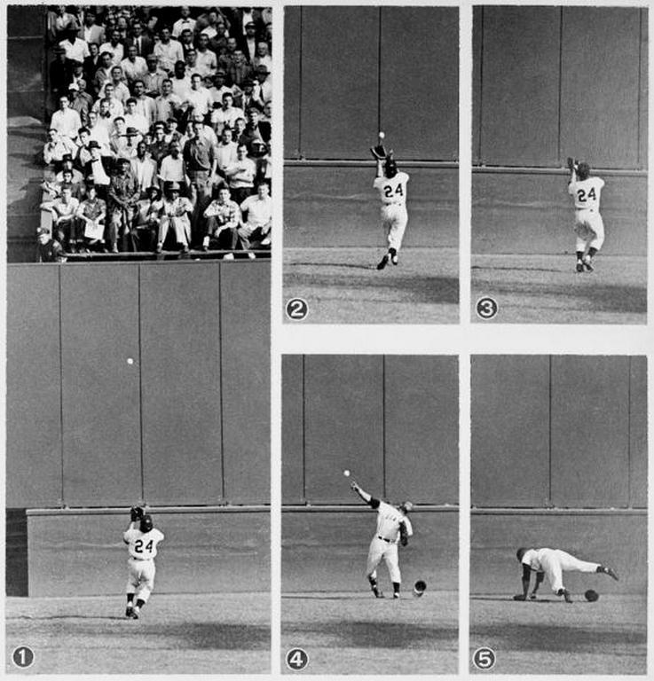 BACK IN THE DAY |9/29/54| Willie Mays makes his famous catch in the 1954 World Series at the Polo Grounds.