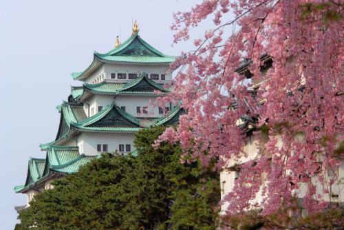 (via The nagoya castle, a photo from Aichi, Chubu | TrekEarth) Nagoya, Japan