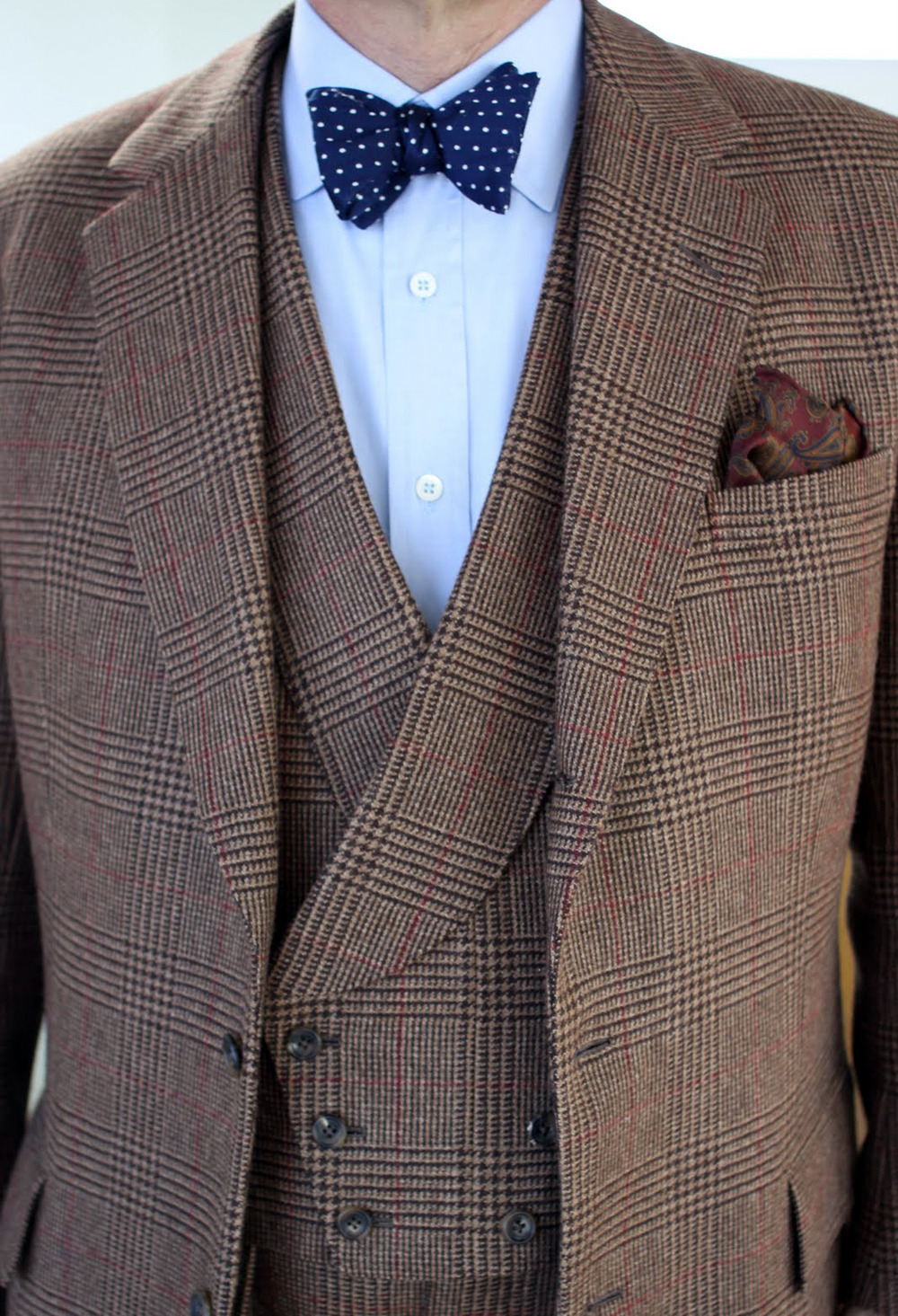 voxsart:  Tweed Time. Will Boehlke in Lovat tweed.  I wish I could make a bowtie work