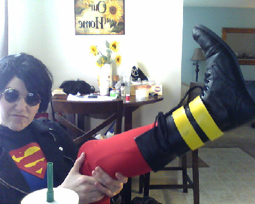 look loook my boots are walkable! /sobbingbecauseofwonderwoman
