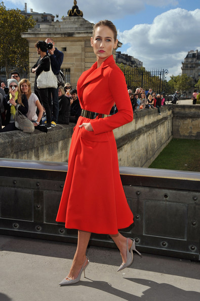 Leelee Sobieski arrives at the Christian Dior Spring / Summer 2013 show as part of Paris Fashion Week on September 28, 2012 in Paris, France.