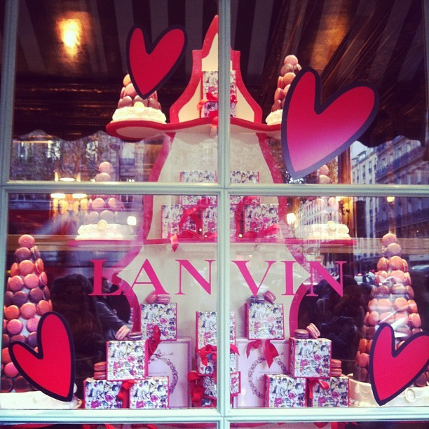 evachen212:  eee, Laduree Lanvin window in Paris  😳😳😳