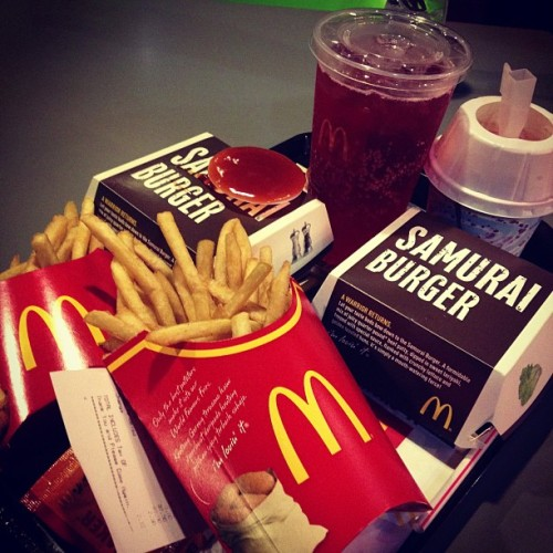 Baru nak try Samurai burger.. (Taken with Instagram at McDonald's)