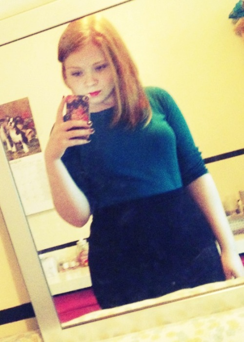 chubby-bunnies:  Jessica. 17. UK14-16. Thick hipped redhead and that's perfectly ok with me. submitted by jessicadbury