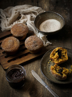 PUMPKIN DOUGHNUT MUFFINS, FILLED WITH NUTELLA by reclaimingprovincial