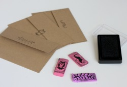 littlecraziness:  (via DIY Eraser Stamps – How To Make Eraser Stamps | Free People Blog)
