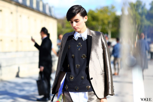vogue:  Anne-Catherine Frey at Paris Fashion Week Photographed by Phil Oh See the slideshow