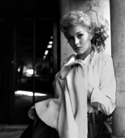 Kim Novak in 1954!