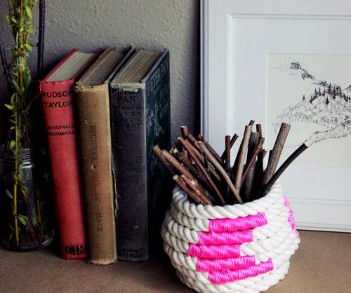 diy project: color-block coiled rope basket