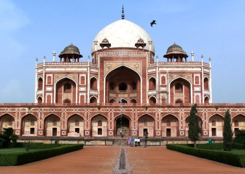 (via The Tomb of Humayun, a photo from Delhi, North | TrekEarth) New Delhi, India