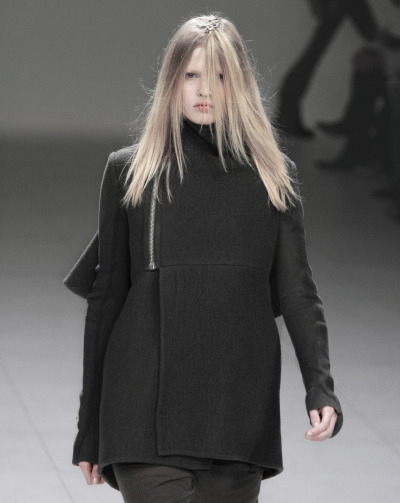 deprincessed:  Lara Stone at Rick Owens F/W 2008
