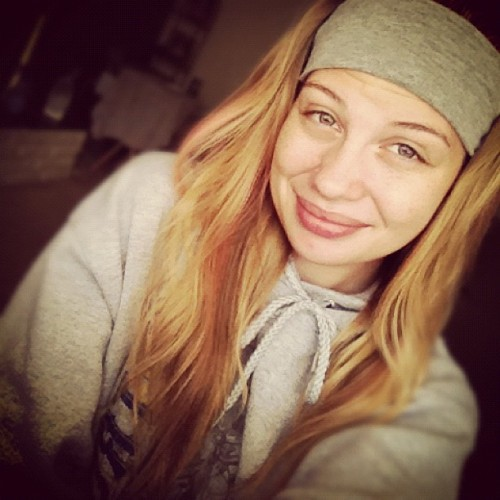 Lazy days (: #lazy #days #grey #hoodie #headband #blonde #long #wavy #hair #smile <3 (Taken with Instagram)