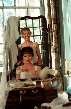 jausten:  Jane and Lizzie (Pride and Prejudice, 2005)