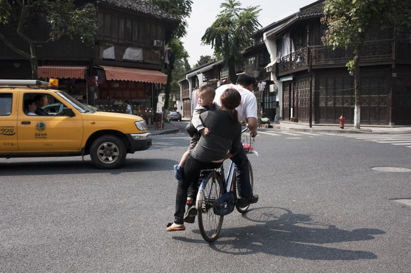 The Family Bicycle, Hangzhou, China, 2012 - Davey Warren