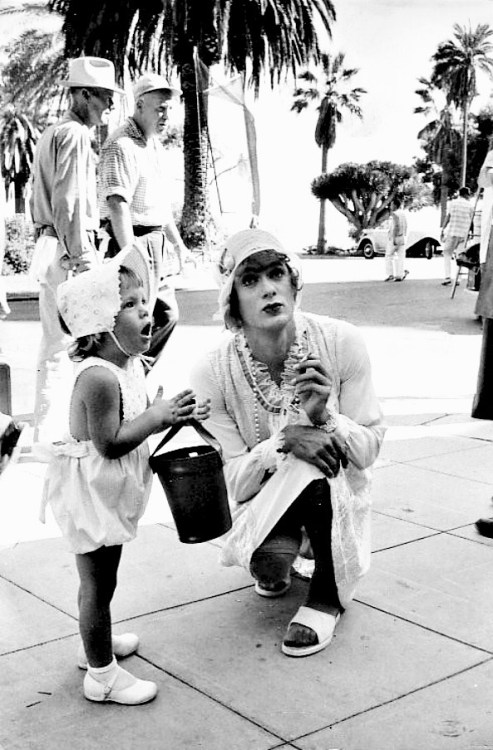 Tony Curtis and his daughter Kelly on the set of Some Like It Hot, 1959.  Photo by Dick Miller.