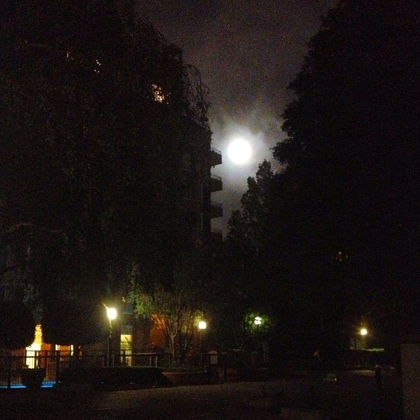 Full moon (Taken with Instagram at Archstone South Market Apartments)