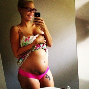 AMBER ROSE PREGNANCY PHOTOS