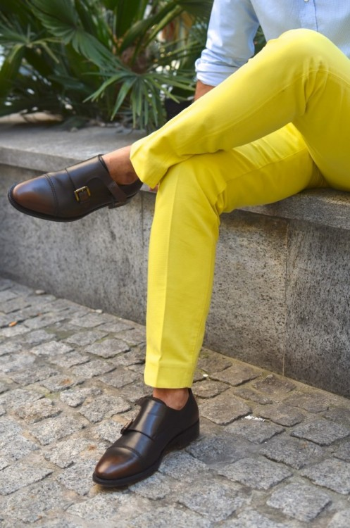 maxtonmen:  monk strap shoes with yellow pants  Win all around..