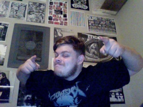 Postin' up in my new room on my new laptop B)