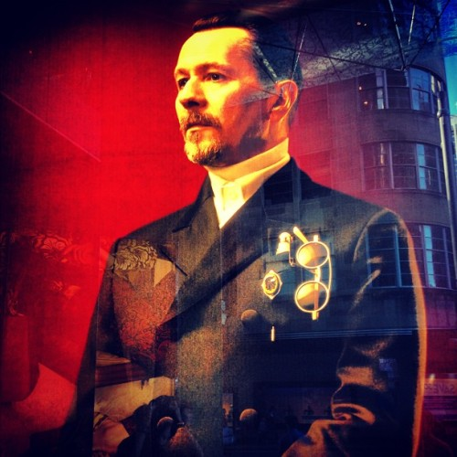 themonstertay:  Gary Oldman being a Prada boss. #Prada #GaryOldman #Fashion #Elite  (Taken with Instagram)